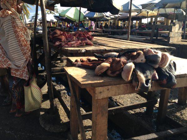 MADAGASCAR-MARKET-COW-HEADS
