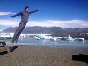 Man_flies_Iceland