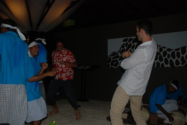 maldives_club_dancing