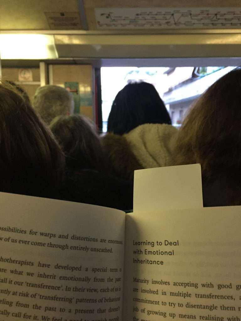 βιβλίο στο μετρό